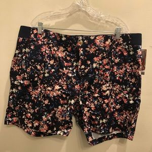 Lee Riders - Navy Blue Floral Bermuda Shorts
